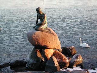 Imagem da sereia, em Copenhaga