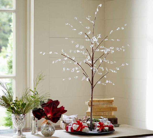arboles de navidad pequeños y elegantes - rama delicada