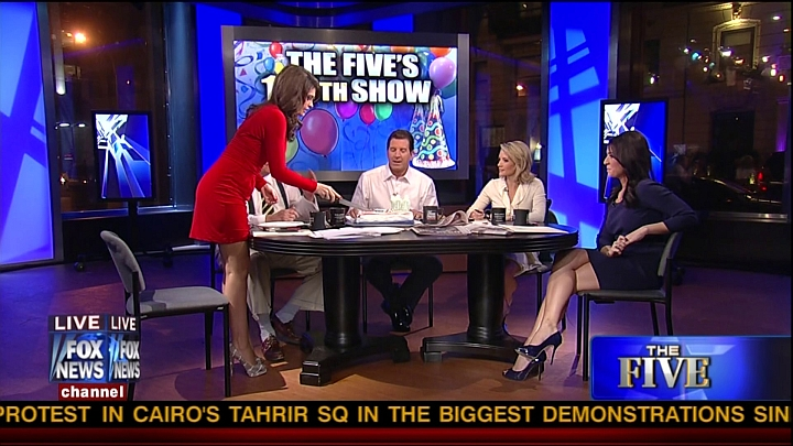 Kimberly Guilfoyle shows off Butt on Fox the Five
