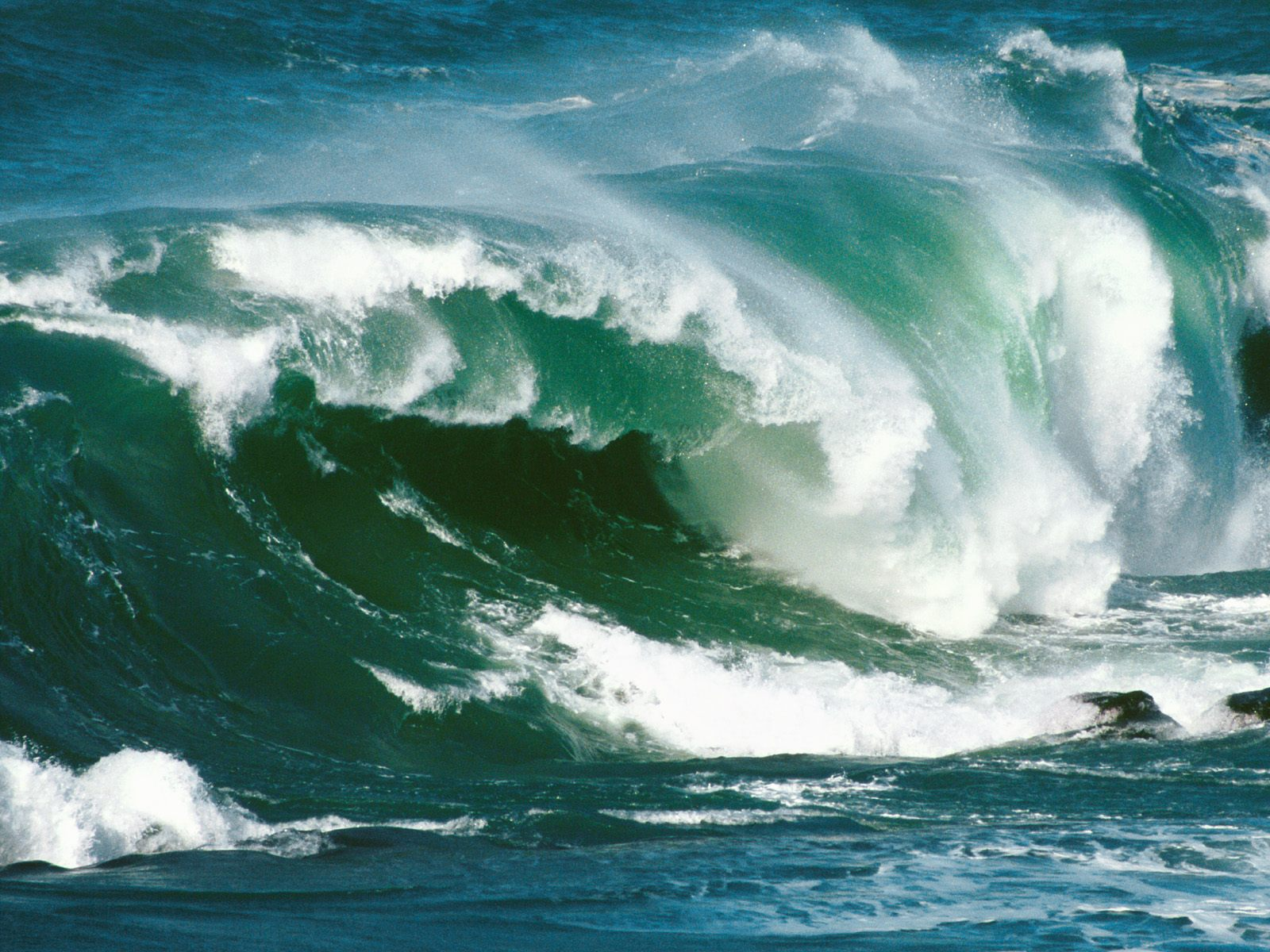 Ocean Waves Wallpapers Hd Emran Hasmi Wallpaper And Hit Dailog