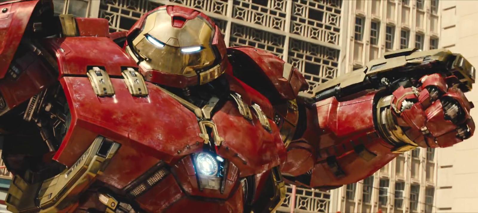 Todos tentam levantar o Mjolnir no trailer estendido de Vingadores: Era de Ultron