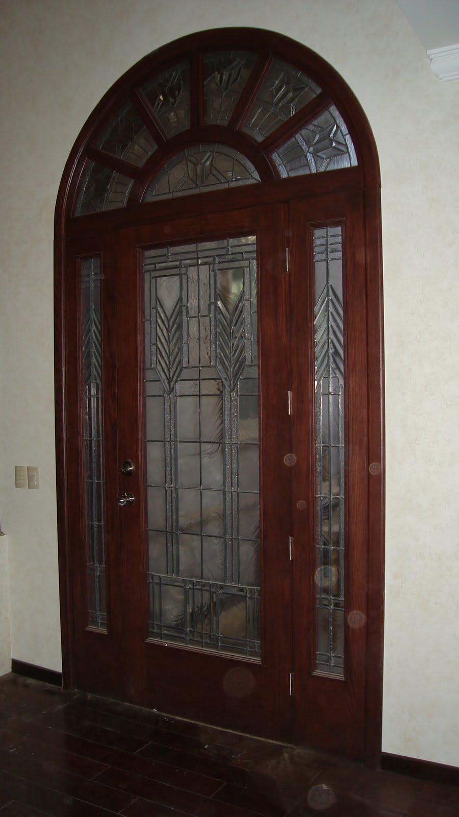 Formas en madera puertas principales for Puertas principales rusticas madera