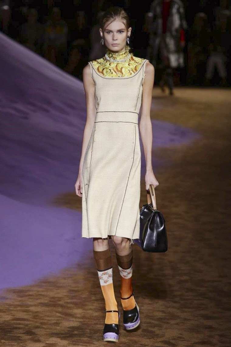 Prada spring summer 2015, Prada ss15, Prada  Prada ss15 mfw, Prada mfw, mfw, mfwss15, mfw2014, fashion week, milan fashion week, milano fashion week, miucia prada, Prada milan fashion week, le diable s'habille en prada, sac prada, prada bag, du dessin aux podiums, dudessinauxpodiums, vintage look, dress to impress, dress for less, boho, unique vintage, alloy clothing, venus clothing, la moda, spring trends, tendance, tendance de mode, blog de mode, fashion blog,  blog mode, mode paris, paris mode, fashion news, designer, fashion designer, moda in pelle, ross dress for less, fashion magazines, fashion blogs, mode a toi, revista de moda, vintage, vintage definition, vintage retro, top fashion, suits online, blog de moda, blog moda, ropa, asos dresses, blogs de moda, dresses, tunique femme,  vetements femmes, fashion tops, womens fashions, vetement tendance, fashion dresses, ladies clothes, robes de soiree, robe bustier, robe sexy, sexy dress