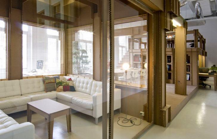 Oficina Diseñada y Amoblada en Cartón