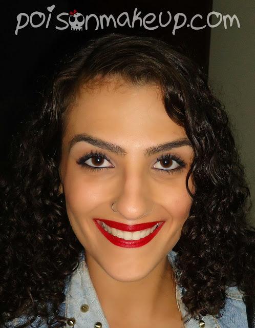 Maquiagem com batom vermelho