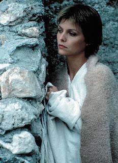 Michelle Pfiffer como Isabaeu d'Anjou no filme O feitiço de Áquila