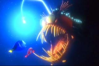 Premières images vidéo d'un dragon des abysses, impressionnant!! Baudroie%2Bdans%2Ble%2Bfilm%2BFinding%2BNemo