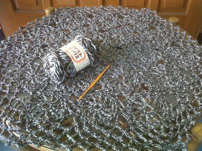 Taplak meja (benang bulky wol)