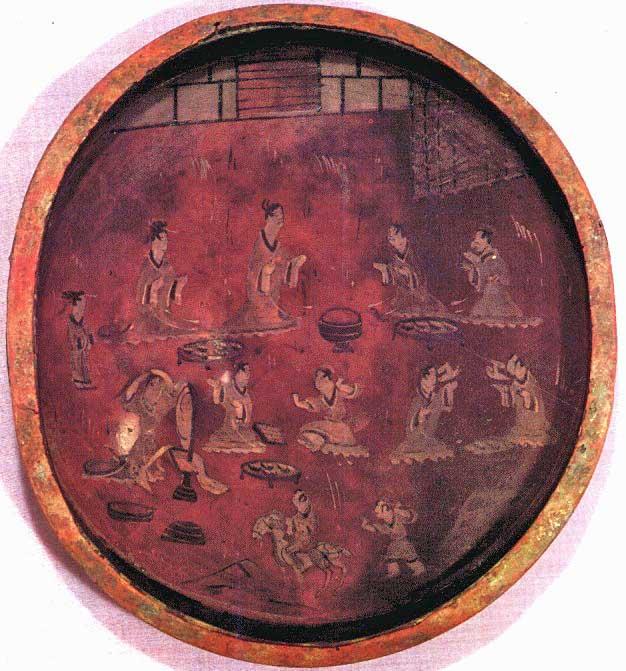 จานกระเบื้องเคลือบในสุสานจูเหียน