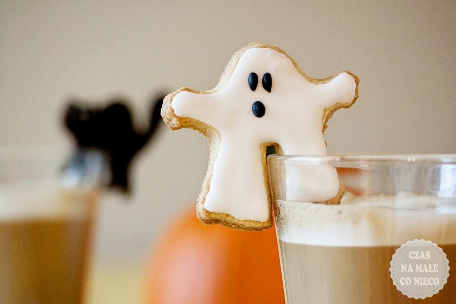halloweenowe ciastka duszki duchy na kubek