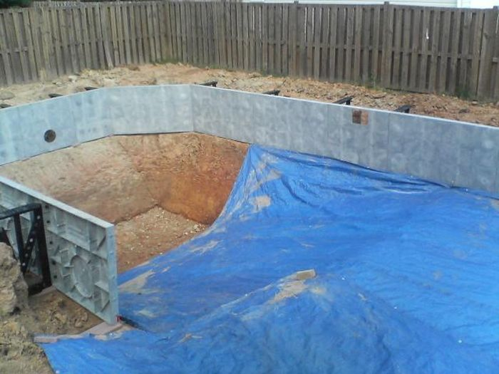 Pix grove self made swimming pool in the back yard for Swimming pool purchase