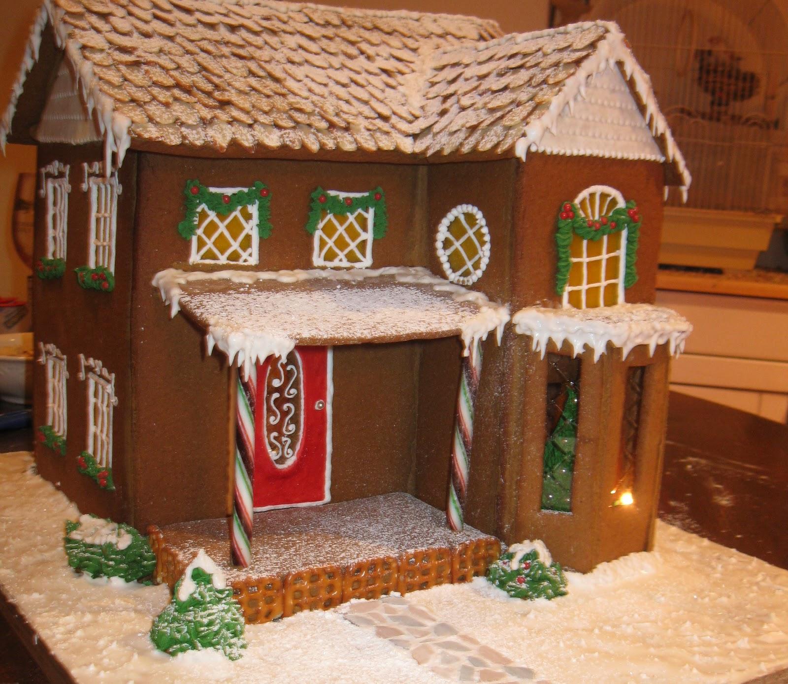 House Ideas: Baking Outside The Box: Gingerbread Houses