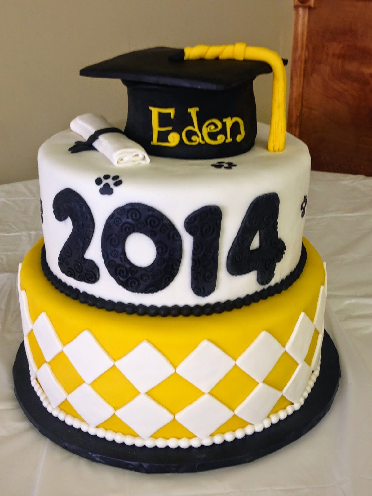 Cakes By Mindy Black And Yellow Graduation Cake 10 12