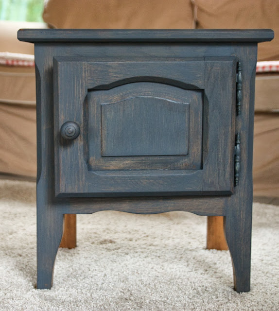Nightstand in Artissimo