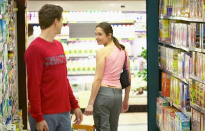 The 6 Dating Resolutions You'll Want To Keep  - supermarket love romance