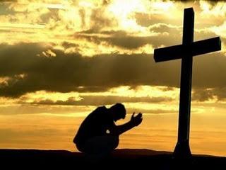 Chore aos pés da cruz..
