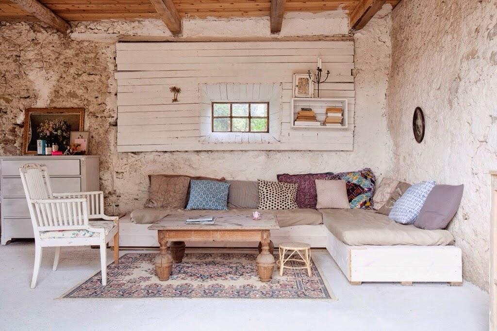 Decoraci n f cil una casa de verano en suecia y un rincon for Como decorar una casa rural