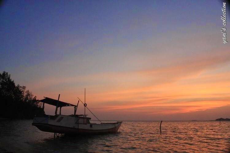 Sunrise di pantai ini akhir tahun 2012