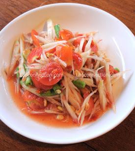 Lao food - papaya salad - dtum mak houng