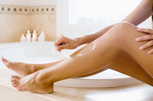 Cách tẩy lông chân triệt để bằng phương pháp tự nhiên từ mật ong và sáp ong