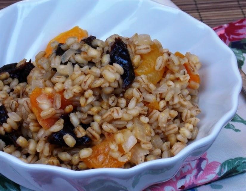 Risoto de Cevadinha com Frutas Secas (vegana)
