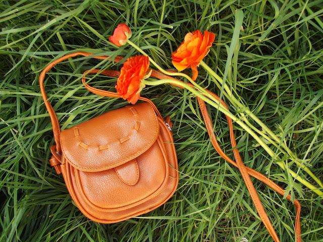fleur d'elise, blonde, pixie cut, seattle, blogger, fashion, spring, mochi beaucoup