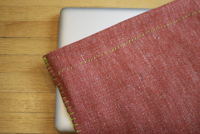 DIY_macbook_laptop_case_stitched_wool