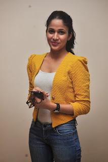 Lavanya Tripathi glamorous Pictures 023