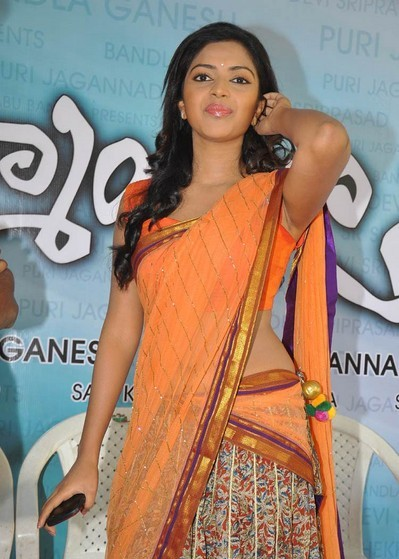 amala paul at iddarammailato movie launch
