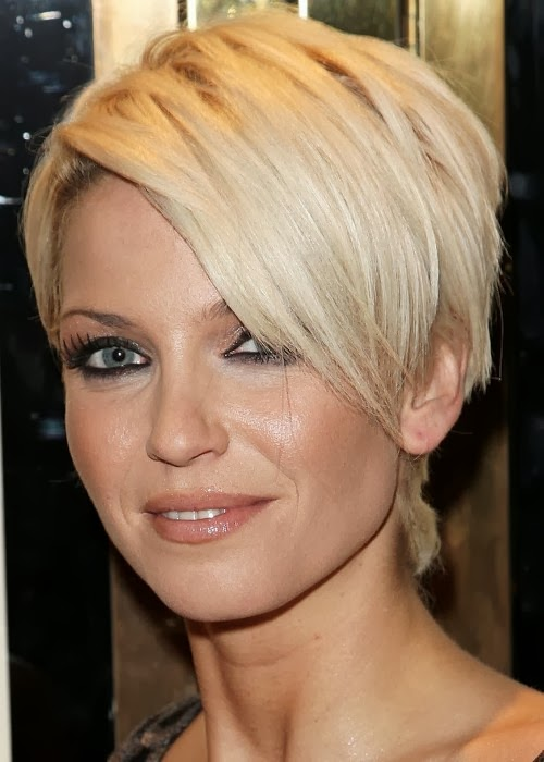 Medium Long Hairstyles for Women Over 40