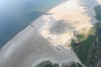 St. Peter-Ording: Fotos eines Tandem-Fallschirmabsprunges über dem ordinger Strand 40