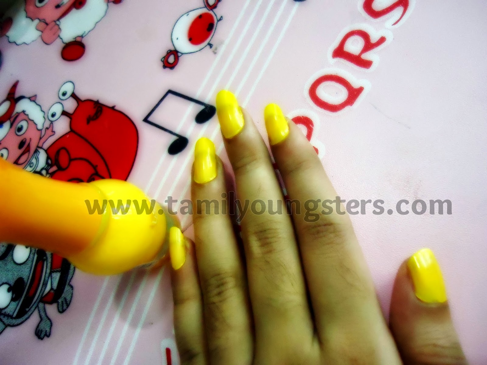 How To Make Easy Nail Art In Home Trail