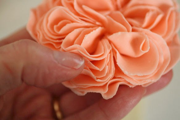how to make gumpaste roses with cutters
