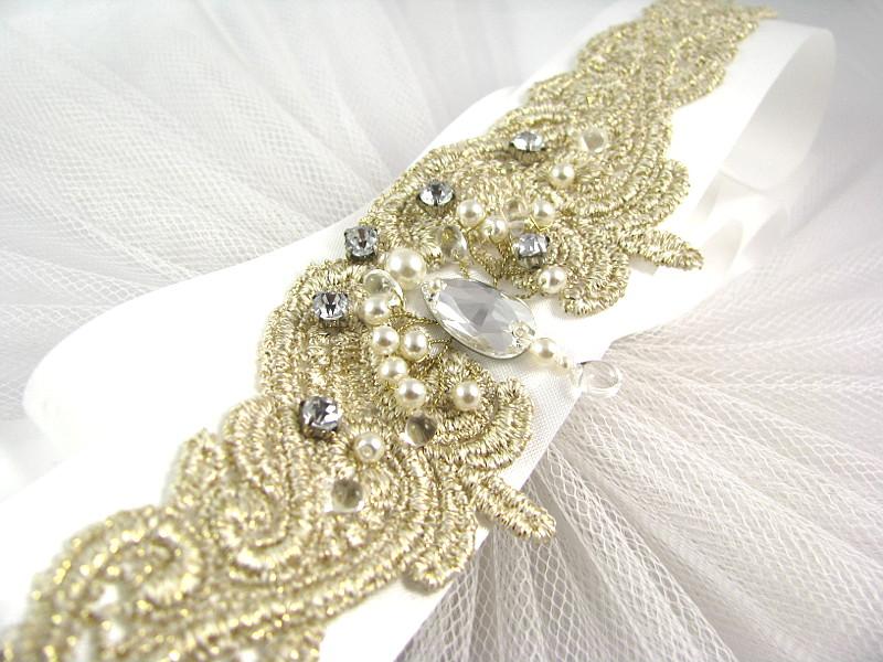 Dodatki ślubne Swarovski - pas na suknię ślubną z koronką