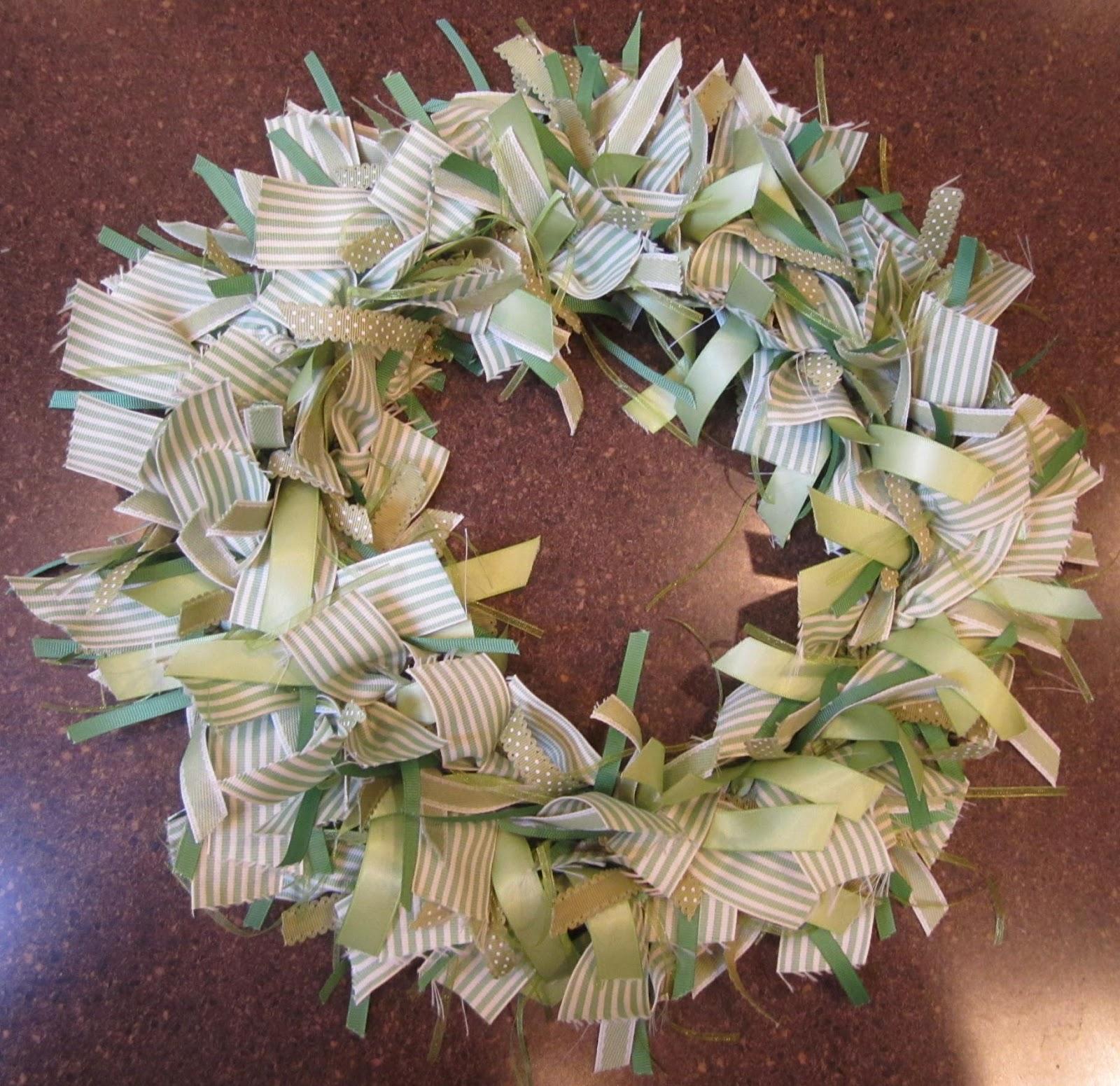 Green+ribbon+wreath