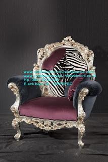 Set kursi makan ukir jepara Jual furniture mebel jepara kursi makan klasik kursi makan jati kursi makan antik kursi makan jepara kursi makan duco mebel jepara KRSIJ-100009 kursi tamu classic kulit singa cat silver