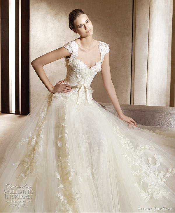 Fashion she9 petite wedding dresses with sleeves lace for Petite dresses for weddings