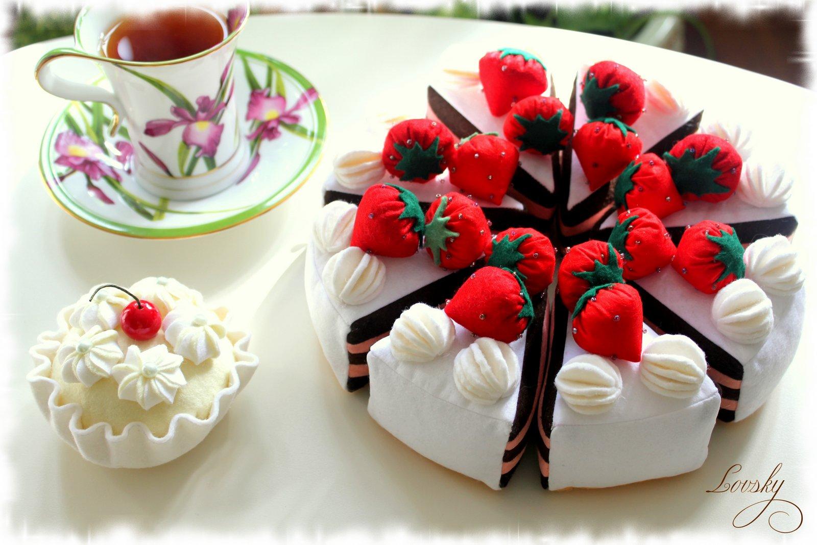 Пирожные игольницы будут подарены