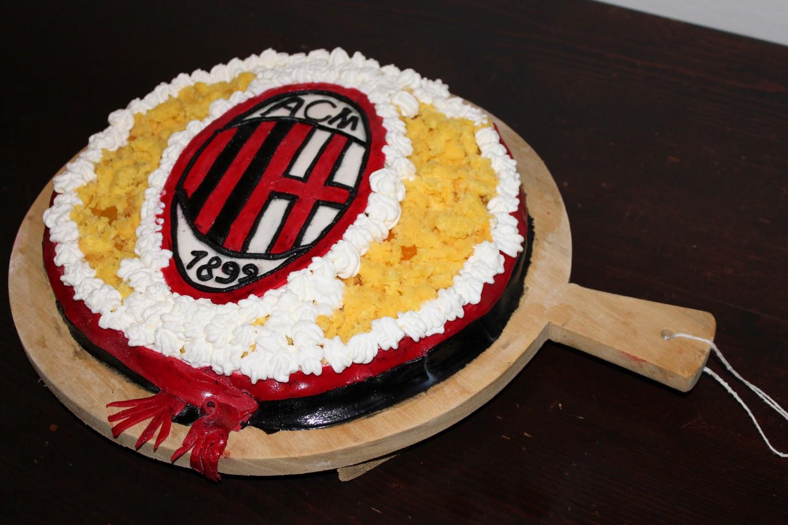 I dolci di giovanna torta milan torta del re - Abbellito con decorazioni ...