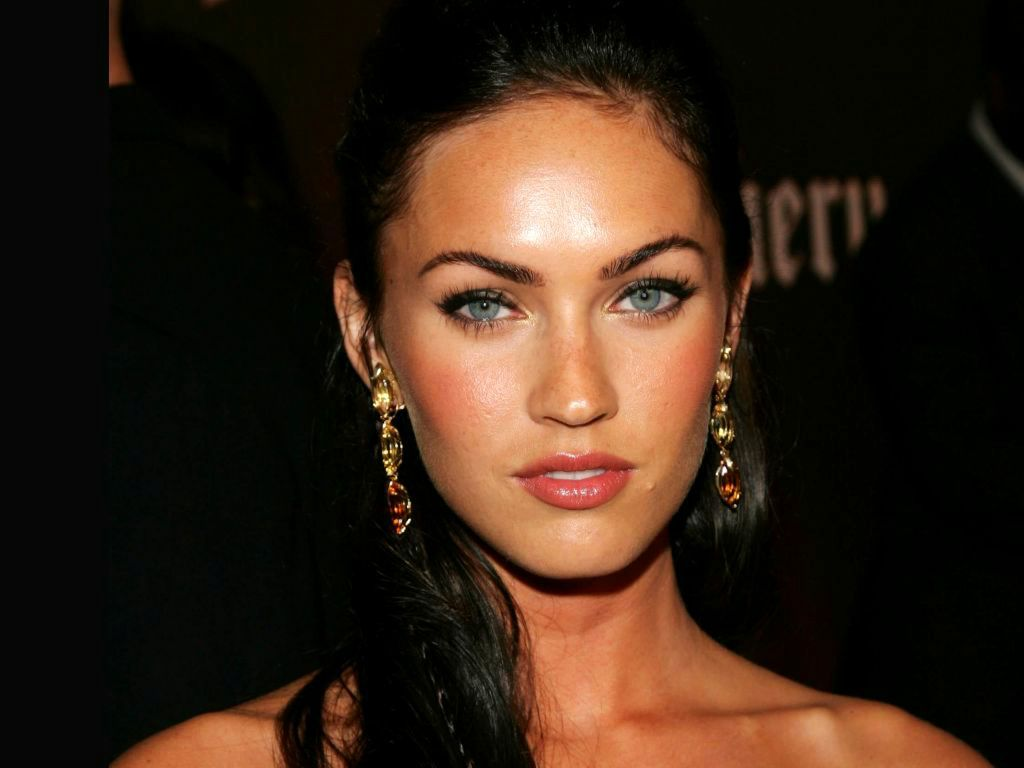 megan fox eyes hollywood celebrities updates today. Black Bedroom Furniture Sets. Home Design Ideas