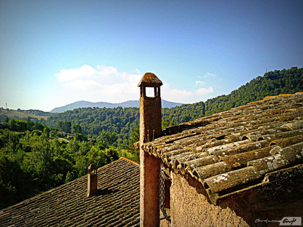 paisaje rural chimeneas de Gallifa