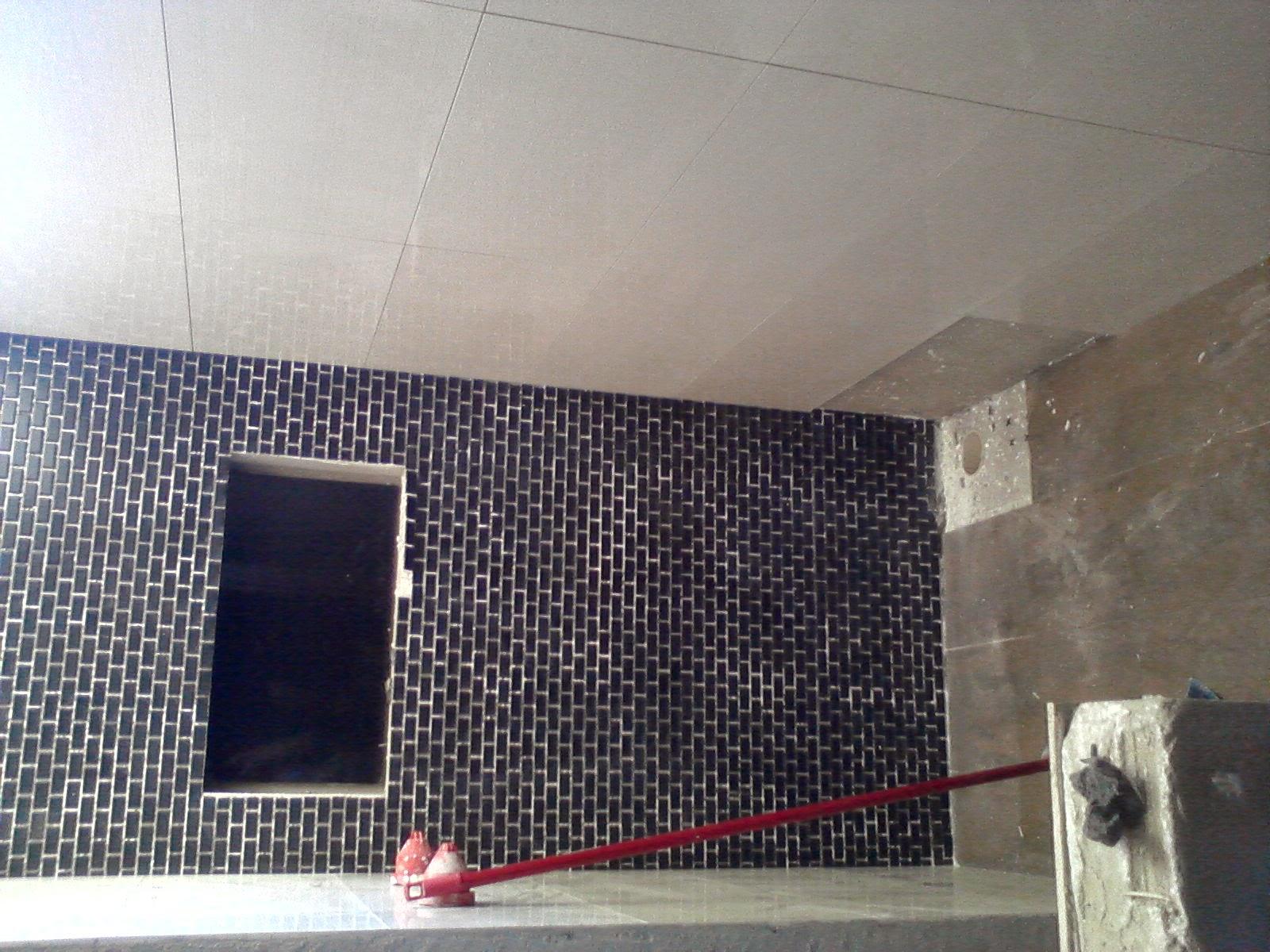 Minha Casa Clean: Banheiro da suíte pastilhas pretas foscas ( subway  #633E41 1600x1200 Banheiro Branco Com Pastilhas Pretas