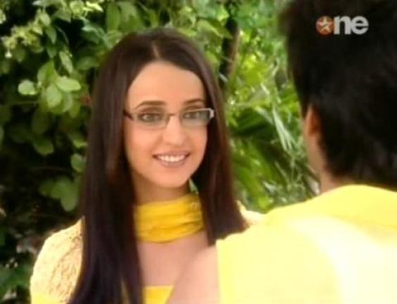 (Khushi) @ Is Pyaar Ko Kya Naam Doon Star Plus Drama Actress Picture