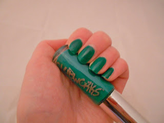 Clubworks green nail varnish