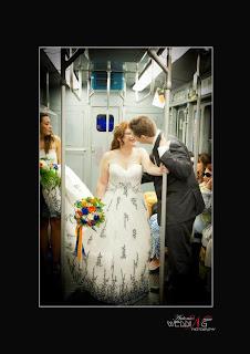 sposi in metropolitana a milano underground wedding