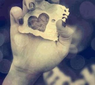 un coeur sur un bout de papier