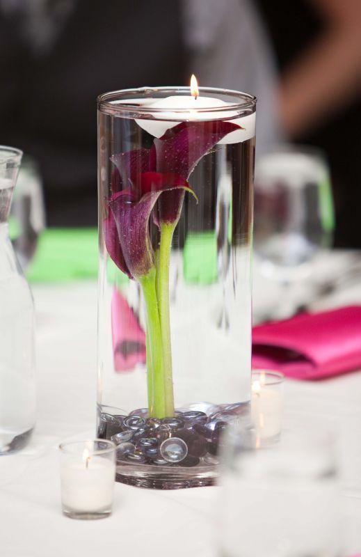10 fotos de centros de mesa sencillos para boda for Mesas de cristal para bodas
