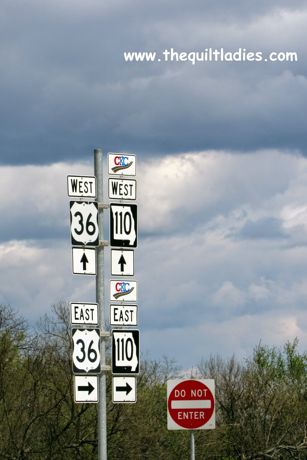 Highway Sign in Missouri (c) Beth Ann Strub