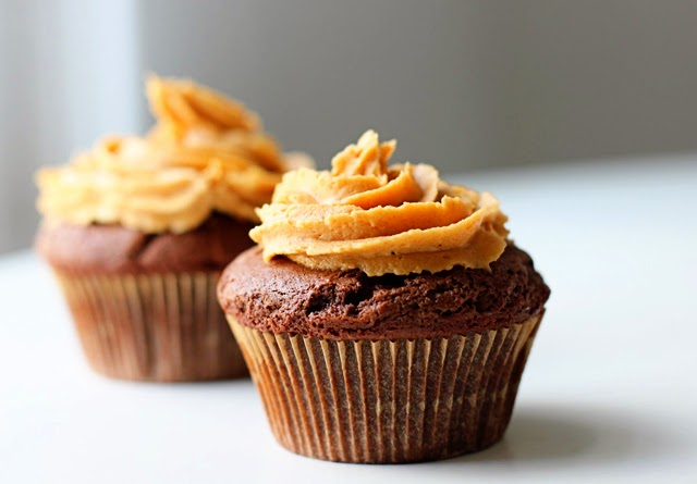 Nice Food Recipe: Peanut Butter-Filled Chocolate Cupcakes