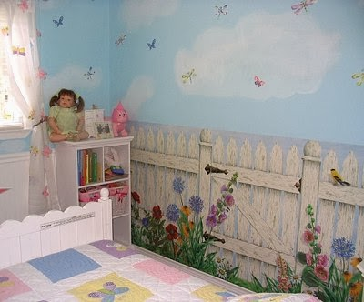 Decorating theme bedrooms maries manor picket fence for Butterfly themed bedroom ideas